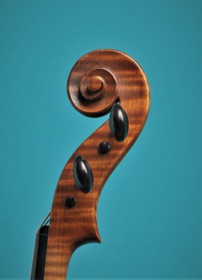 Full size violin, A.But, Utrecht 1936, Lucienne vioolbouw De Luthiers Dordrecht, scroll
