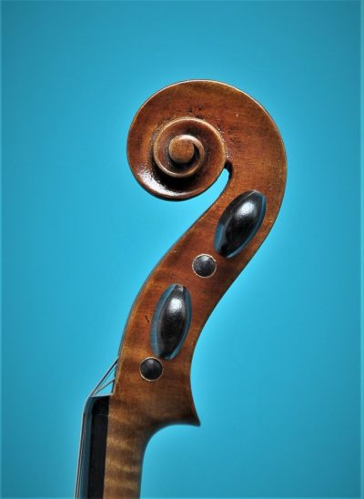 Lutherie d'Art 'Strad', scroll, Full size Violin De Luthiers Lucienne vioolbouw