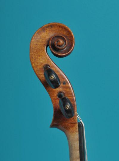 Viola Scroll, Mathias Albanus fecit in Tirol Bolsani 1693 LOB 38,2 cm De Luthiers Lucienne vioolbouw Dordrecht