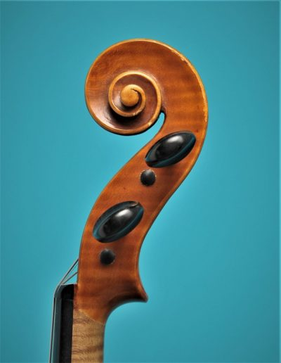 Full size violin, Alexander Oosten 1987, scroll. Lucienne vioolbouw De Luthiers Dordrecht
