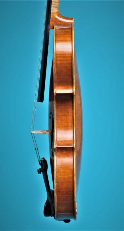 Full size violin, Alexander Oosten 1987, side. Lucienne vioolbouw De Luthiers Dordrecht