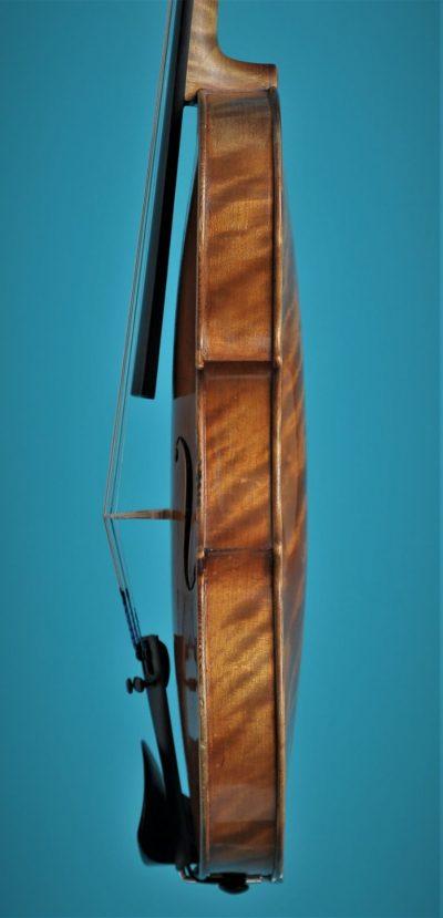 Full size violin L'Arts Atelier 1930, side, Lucienne vioolbouw De Luthiers Dordrecht